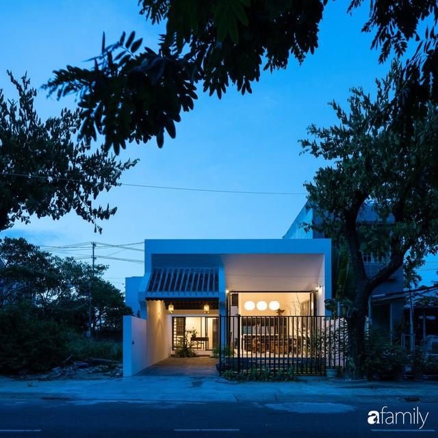 Ngôi nhà nhỏ được thiết kế theo phong cách nhà cổ Hội An đẹp bình yên dưới bóng cây xanh - Ảnh 11.