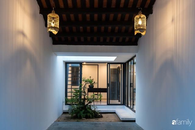 Ngôi nhà nhỏ được thiết kế theo phong cách nhà cổ Hội An đẹp bình yên dưới bóng cây xanh - Ảnh 12.