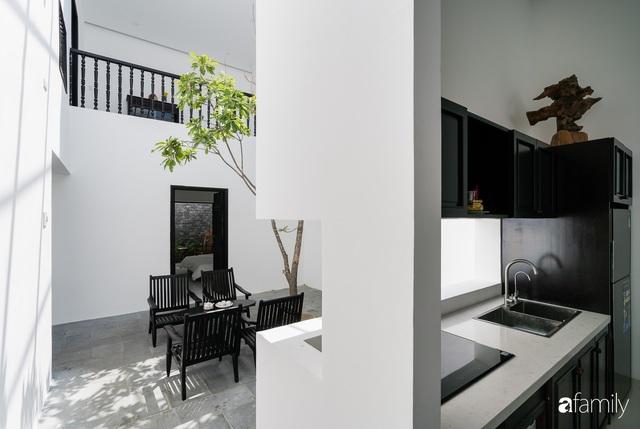 Ngôi nhà nhỏ được thiết kế theo phong cách nhà cổ Hội An đẹp bình yên dưới bóng cây xanh - Ảnh 25.