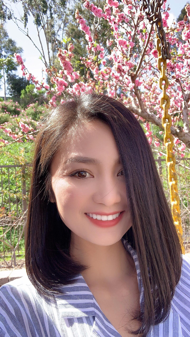 Bống Hồng Nhung nói chuyện với hoa, cô San - Diệu Hương nấu món Việt thết đãi cả nhà khi sống bên Mỹ - Ảnh 9.