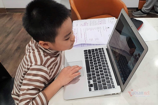 Những tình huống bi hài khi dạy học trực tuyến - Ảnh 2.