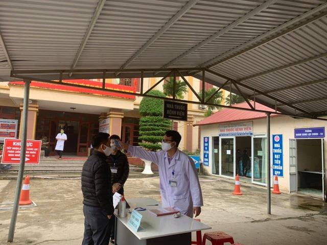 Thanh Hóa chặn nguy cơ lây COVID-19 ngay tại cổng bệnh viện - Ảnh 4.