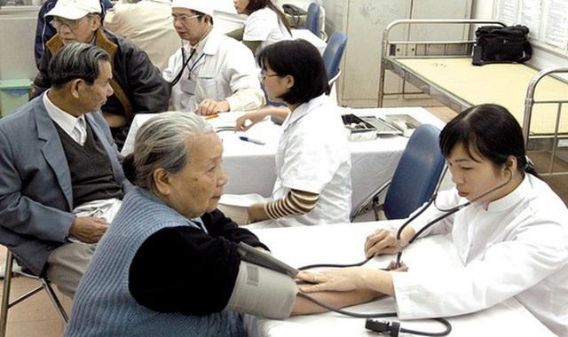 Ban hành tài liệu quản lý và nâng cao sức khỏe người cao tuổi trong bối cảnh dịch COVID-19 - Ảnh 3.