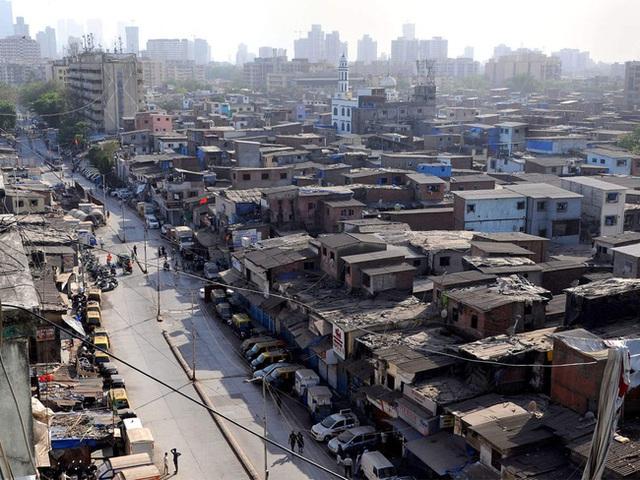 Quả bom hẹn giờ khiến Ấn Độ có nguy cơ vỡ trận vì Covid-19: Khu ổ chuột lớn nhất châu Á với hơn 1 triệu dân, 80 người phải chung nhau một nhà vệ sinh - Ảnh 2.