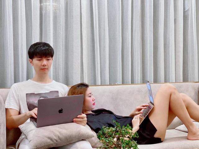 Thúy Vân đăng ảnh công khai chồng sắp cưới - Ảnh 1.