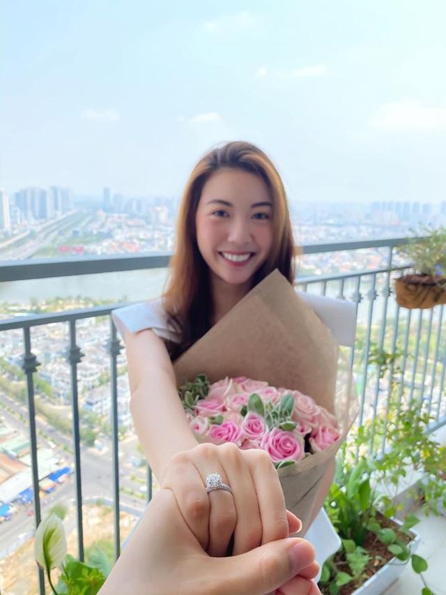 Thúy Vân đăng ảnh công khai chồng sắp cưới - Ảnh 2.