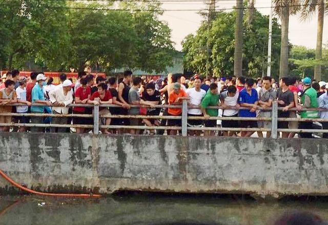 Hà Nội: Xuống kênh mương tắm ngày nắng nóng, 2 người đuối nước thương tâm - Ảnh 2.