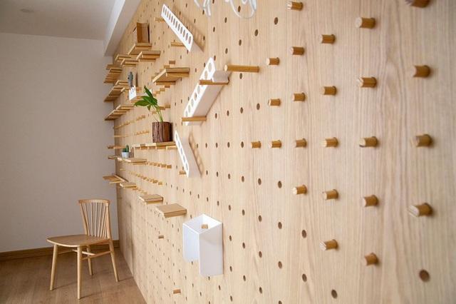Căn hộ với đồ nội thất được làm hoàn toàn từ gỗ tự nhiên - Ảnh 5.