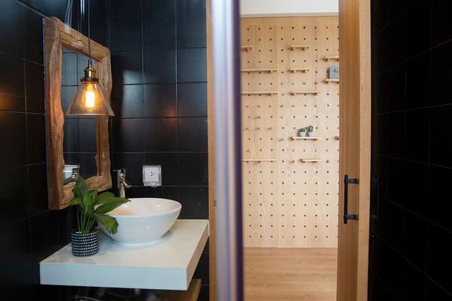 Căn hộ với đồ nội thất được làm hoàn toàn từ gỗ tự nhiên - Ảnh 7.