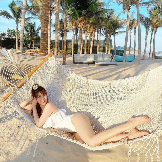 Mới đầu hè, sao Việt đã thi nhau thả dáng với đồ bơi, hot đỉnh cao là Hà Tăng - Ảnh 9.