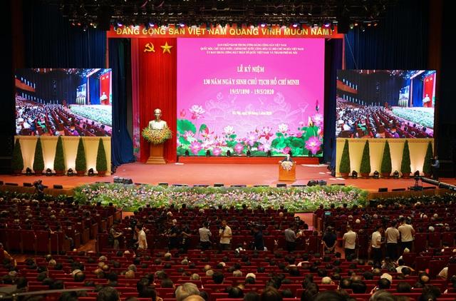 Tưng bừng Lễ kỷ niệm 130 năm Ngày sinh Chủ tịch Hồ Chí Minh - Ảnh 2.