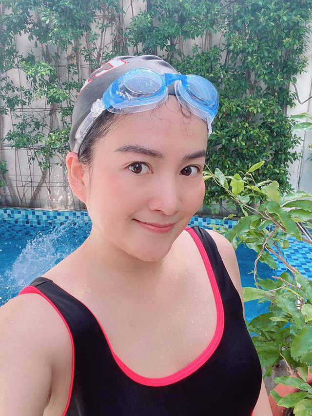 Bà xã Bình Minh ngày càng trẻ, đọ sắc với Hoa hậu vẫn không thua kém nhờ chăm thể thao - Ảnh 8.