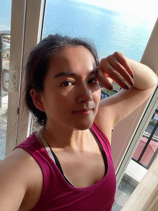Bà xã Bình Minh ngày càng trẻ, đọ sắc với Hoa hậu vẫn không thua kém nhờ chăm thể thao - Ảnh 9.