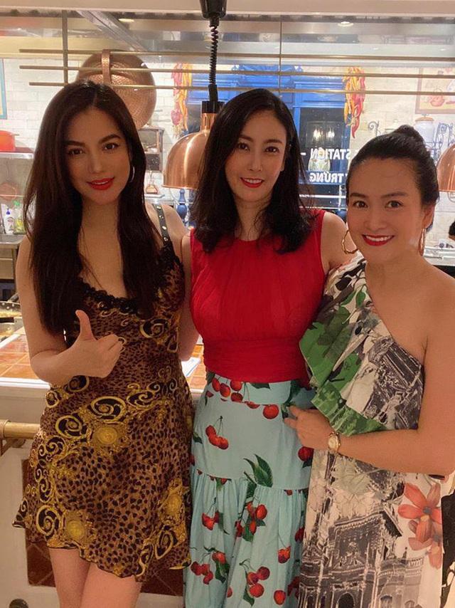 Bà xã Bình Minh ngày càng trẻ, đọ sắc với Hoa hậu vẫn không thua kém nhờ chăm thể thao - Ảnh 3.
