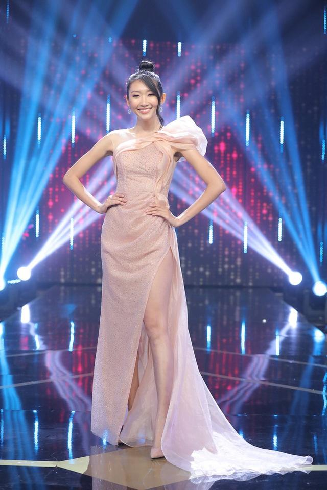 Người ấy là ai?: Nữ chính trong clip đẹp rụng rời, nhưng đến khi bước ra sân khấu lại khiến khán giả hụt hẫng - Ảnh 7.