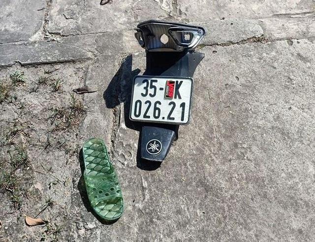 Ninh Bình: 2 học sinh đi xe máy chết thảm sau va chạm với xe tải  - Ảnh 2.