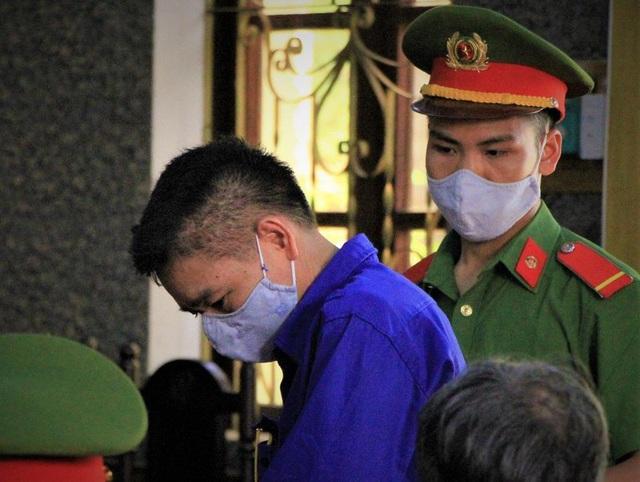 Nhiều bị cáo kêu oan, thay đổi lời khai tại phiên toà xử vụ gian lận điểm thi ở Sơn La - Ảnh 4.