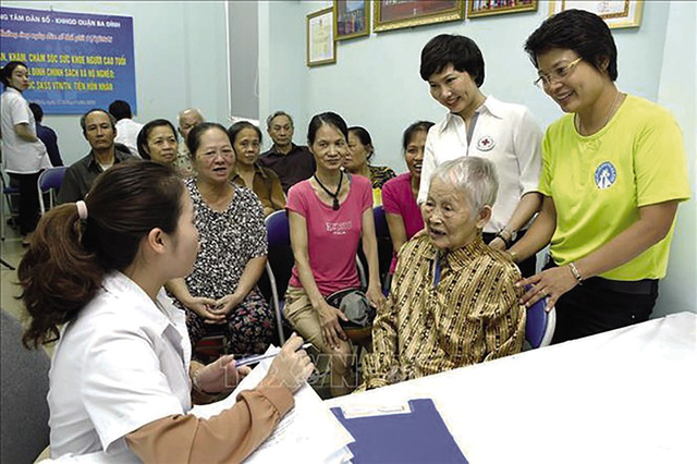Biến thách thức thành cơ hội, hướng tới xây dựng xã hội già hóa khỏe mạnh - Ảnh 1.