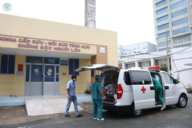 Bệnh viện Chợ Rẫy huy động toàn lực để cứu chữa cho phi công mắc COVID-19 - Ảnh 1.