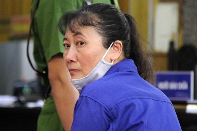 Vụ gian lận điểm thi: Cựu PGĐ Sở GD&ĐT Sơn La mang 16 đĩa CD ra nghĩa trang tiêu hủy - Ảnh 4.
