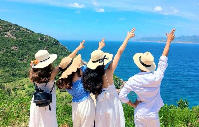 Xin cho học sinh nghỉ hè hết tháng 9 để đi du lịch - Ảnh 2.