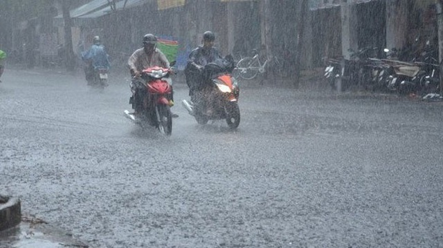 Hà Nội mưa to, mát cả 2 ngày cuối tuần - Ảnh 1.
