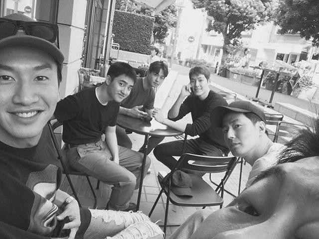 Sự thật thông tin Song Hye Kyo yêu đơn phương Jo In Sung - người anh em thân thiết của chồng cũ Song Joong Ki, thậm chí mời đi ăn tối nhưng bị từ chối - Ảnh 2.