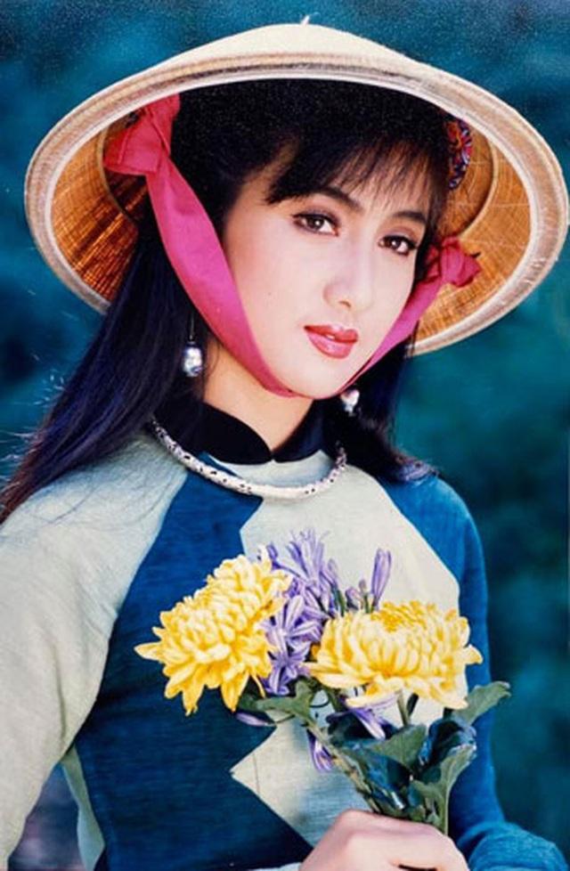 Người đẹp ảnh lịch Hiền Mai: Phụ nữ bây giờ không phải nhịn nhục để giữ được gia đình - Ảnh 2.