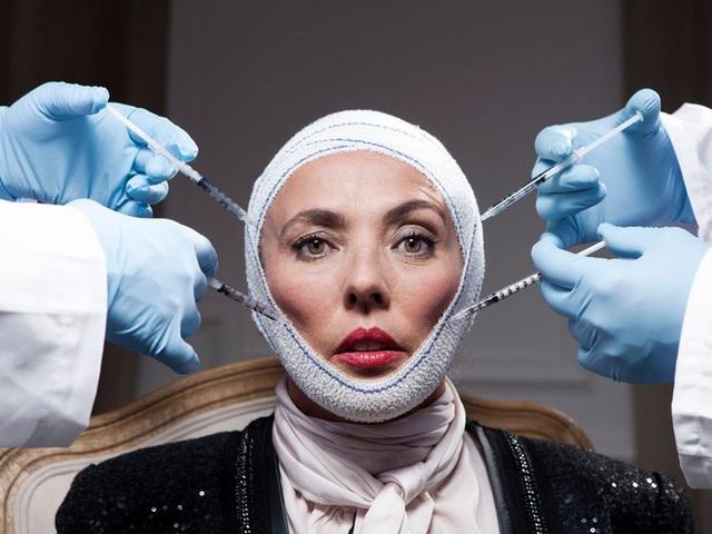 Giới giàu trả gấp 4, đón bác sĩ bằng chuyên cơ để phẫu thuật thẩm mỹ - Ảnh 2.