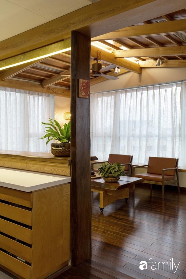 Căn hộ tầng 26 phá vỡ khuôn mẫu cứng nhắc để biến thành resort trên cao với ánh sáng và cây xanh đẹp mắt ở Cầu Giấy, Hà Nội - Ảnh 8.