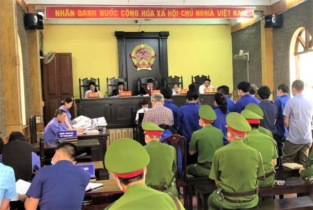 Cựu trung tá đầu bạc choáng váng khi nghe VKS Sơn La đề nghị mức án 6 năm tù - Ảnh 5.