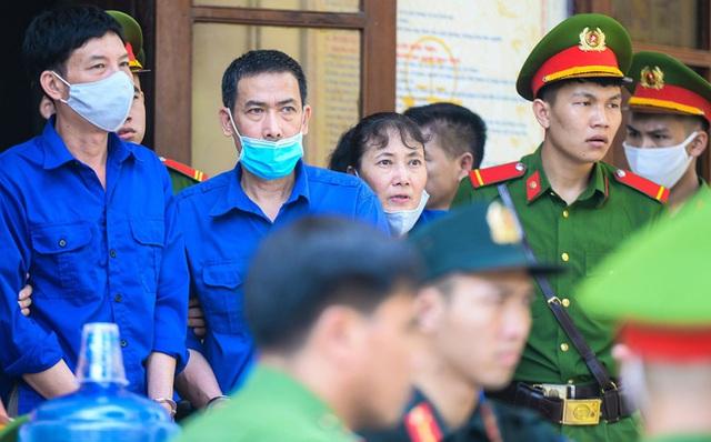 Cựu trung tá đầu bạc choáng váng khi nghe VKS Sơn La đề nghị mức án 6 năm tù - Ảnh 4.