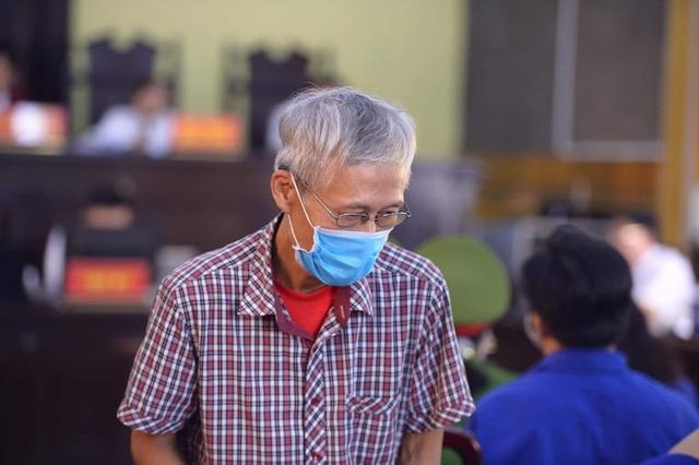 Cựu trung tá đầu bạc choáng váng khi nghe VKS Sơn La đề nghị mức án 6 năm tù - Ảnh 3.