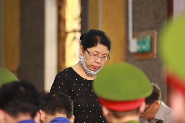 Cựu chuyên viên Sở GD&ĐT Sơn La xin giảm tội do bị cấp trên sai khiến - Ảnh 4.