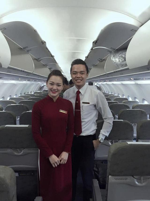 Chết đứ đừ đồng nghiệp hạng thương gia, nam tiếp viên hàng không rước nàng về dinh sau màn cầu hôn ở Pháp - Ảnh 1.