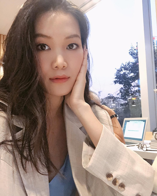 """Hoa hậu chiều cao """"khủng"""" nhưng xui xẻo nhất Việt Nam giờ ra sao? - Ảnh 5."""