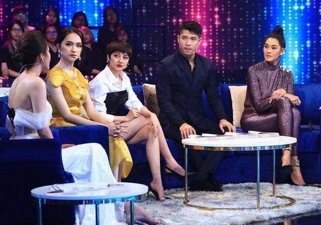 Nhà thiết kế Thái Công hôn bạn trai ở Người ấy là ai - Ảnh 2.