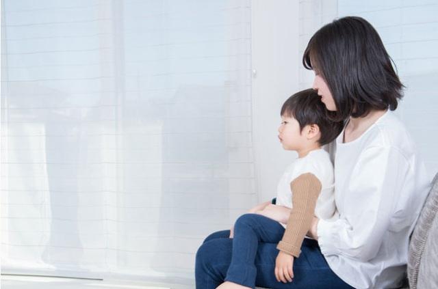 Bảy sai lầm của bố mẹ khiến con lớn lên bất hạnh - Ảnh 1.