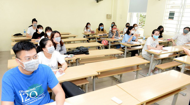 Đi học vào tháng 5: Sinh viên vẫn được nhận lì xì năm mới - Ảnh 6.