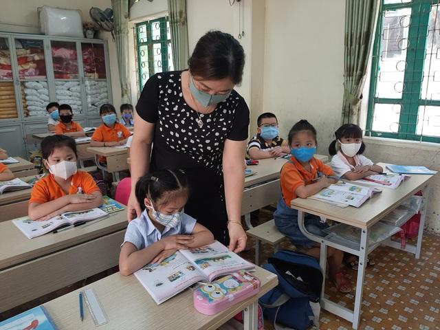 Thanh Hóa: Nhiều trường gặp khó với việc giảm, giãn cách học sinh phòng chống COVID-19 - Ảnh 2.