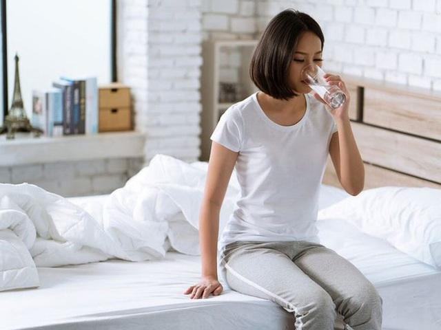 4 thói quen xấu là thủ phạm tăng tốc độ lão hóa, khiến phụ nữ nhanh già và giảm tuổi thọ - Ảnh 4.