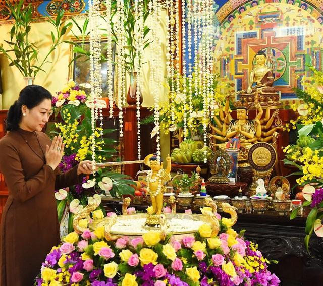 Ấn tượng đẹp sau Đại lễ Phật đản đặc biệt 2020 - Ảnh 21.
