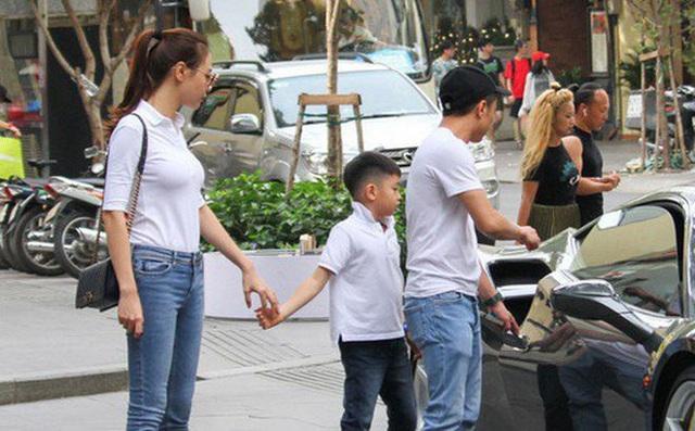 """Chân dung những bà mẹ kế """"vàng mười của showbiz Việt - Ảnh 2."""
