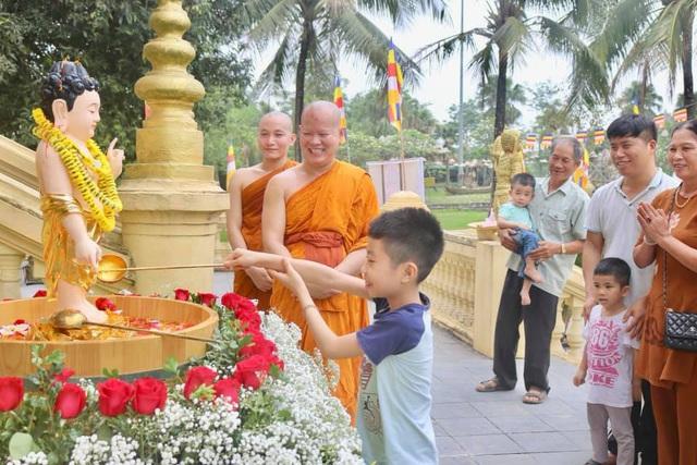 Ấn tượng đẹp sau Đại lễ Phật đản đặc biệt 2020 - Ảnh 10.