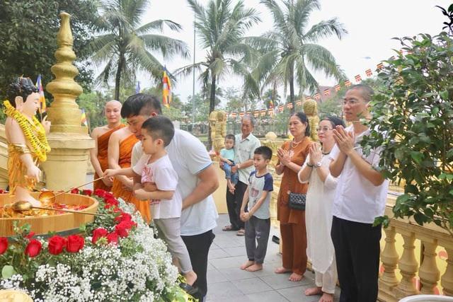 Ấn tượng đẹp sau Đại lễ Phật đản đặc biệt 2020 - Ảnh 9.