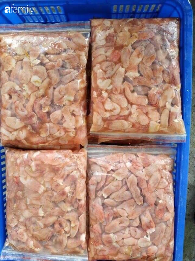 Bao tử cá ba sa giá 89 ngàn đồng/kg được nhiều bà nội trợ mua, tiểu thương ngày bán cả nửa tạ - Ảnh 2.