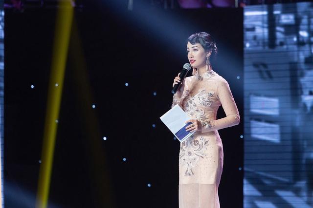 MC Quỳnh Chi: Tôi vẫn cô đơn vì không giỏi       yêu! - Ảnh 1.