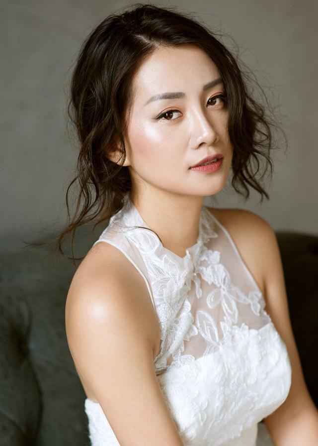 MC Quỳnh Chi: Tôi vẫn cô đơn vì không                 giỏi yêu! - Ảnh 6.