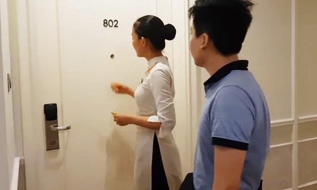 Bí mật đằng sau việc nhân viên khách sạn gõ cửa, xưng danh dù biết đó là phòng trống sẽ khiến bạn rùng mình - Ảnh 1.