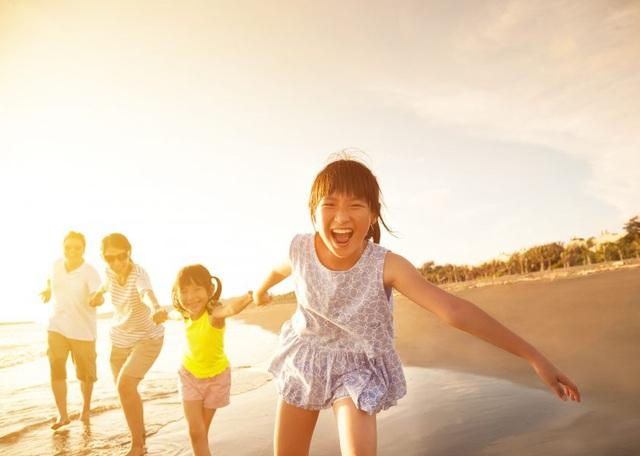 Xu hướng mới của gia đình hiện đại - tặng con trải nghiệm thay vì của cải - Ảnh 2.
